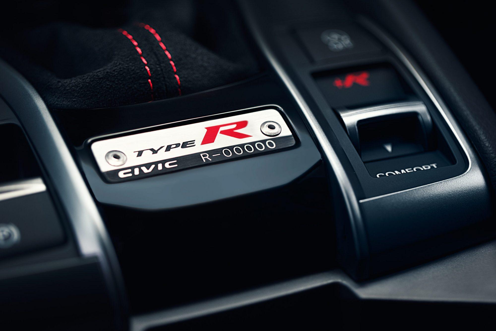 type-r-sport-line-interior-badge-scaled