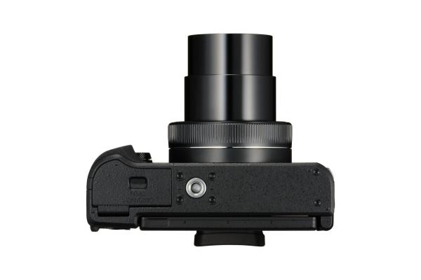PowerShot_G1X_Mark_III_Bottom_Lens_Out1
