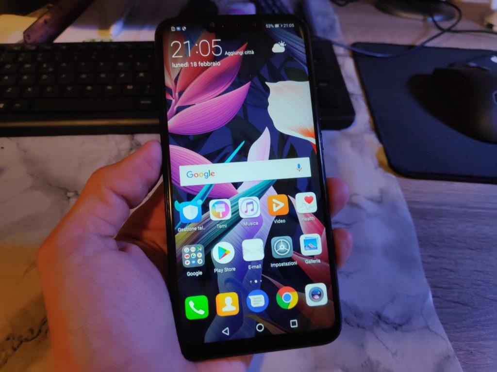 Huawei Mate 20 Lite, la recensione: design accattivante e buone