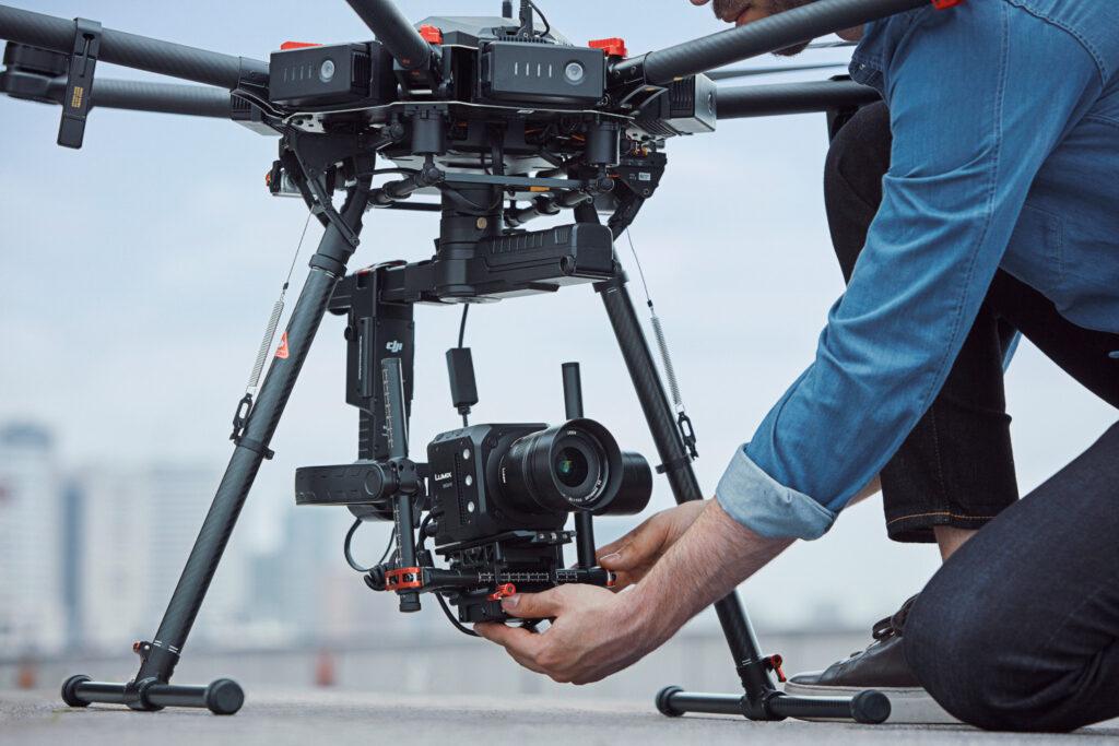 Lumix BGH1 montata su un drone