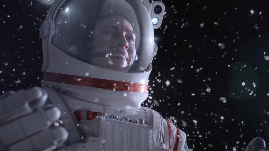 Una scena nello spazio tratta dalla serie TV Netflix Away