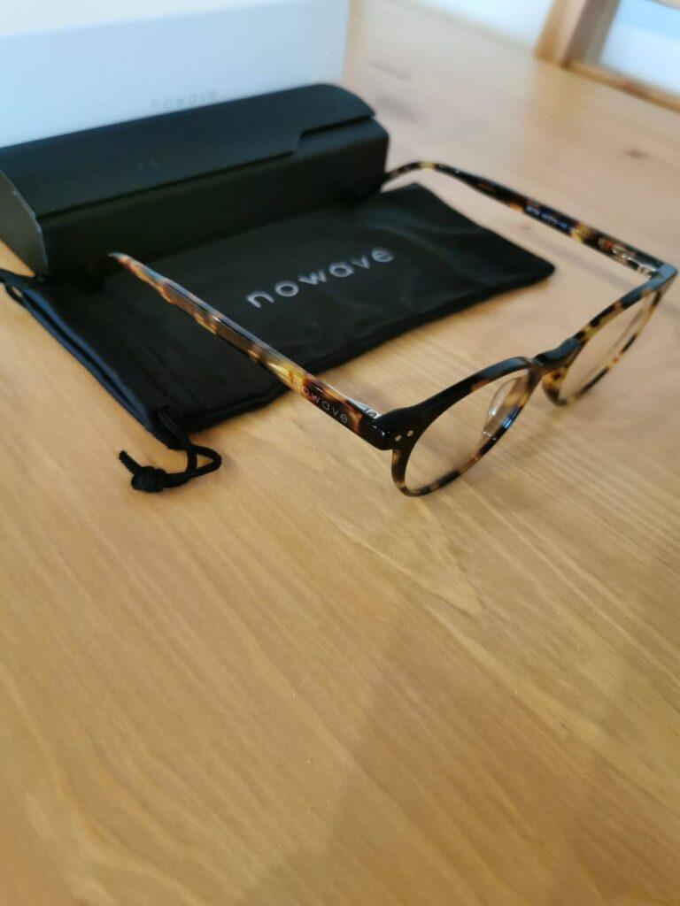Un'altra foto degli occhiali