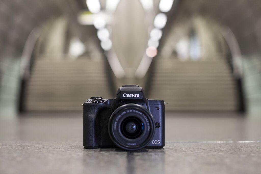 Canon M50 è una fotocamera con cui si può giocare e sperimentare