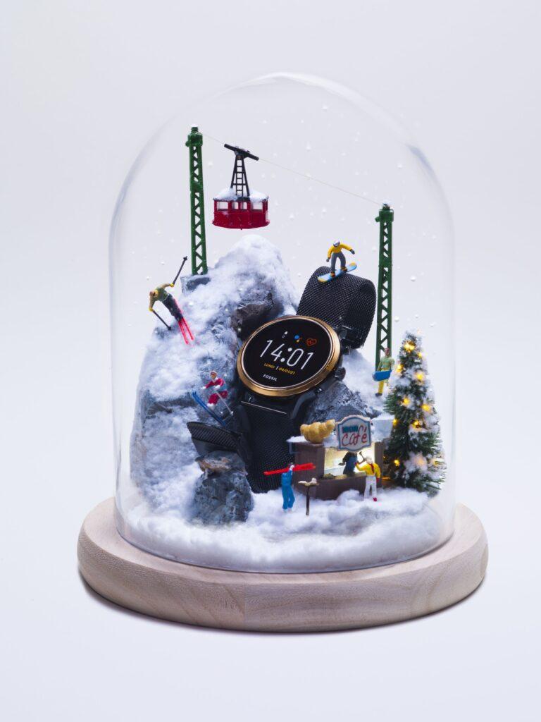 Una palla natalizia realizzata con la collaborazione tra Fossil e Minimiam