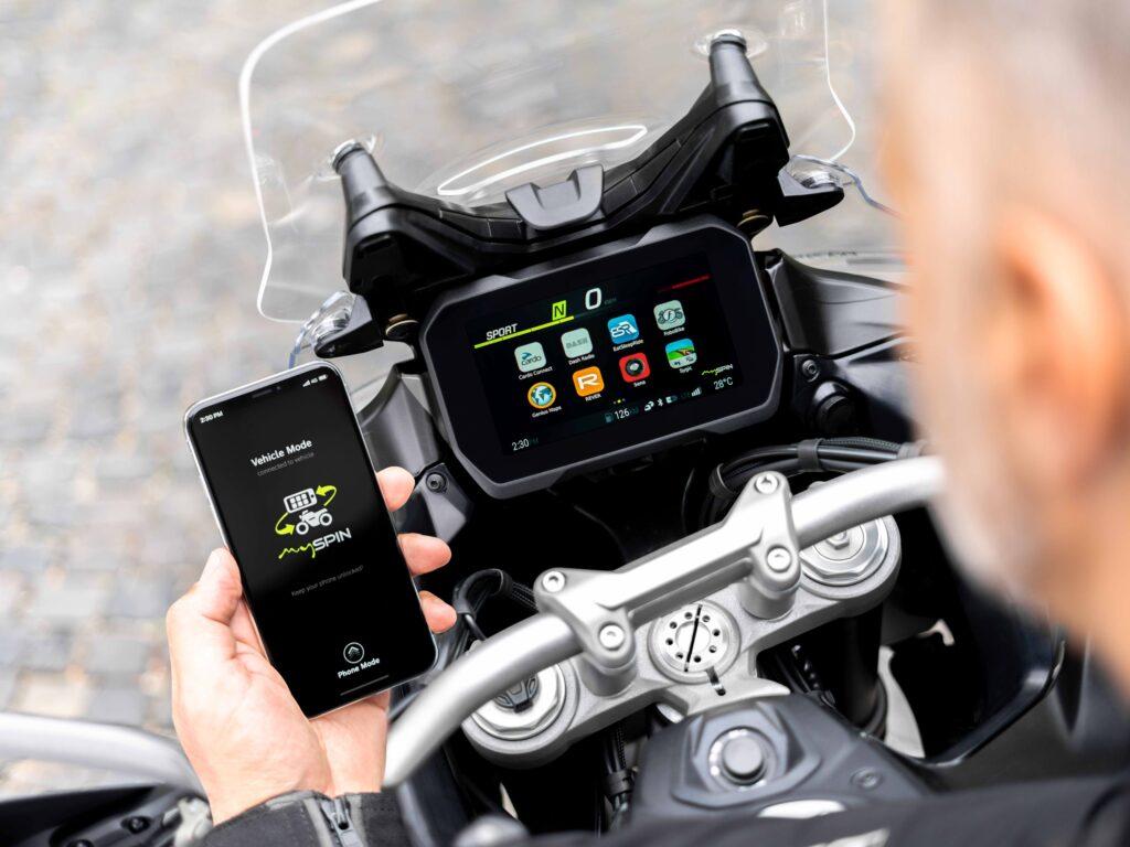 Integrazione smartphone hands-on di Integrated Connectivity Cluster