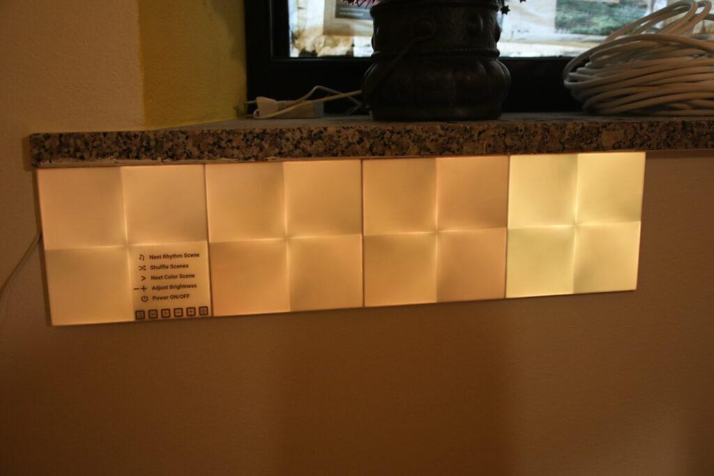 Il design quadrato del sistema di luci Canvas