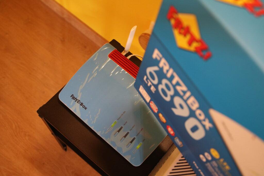 Scatolone e router LTE di AVM