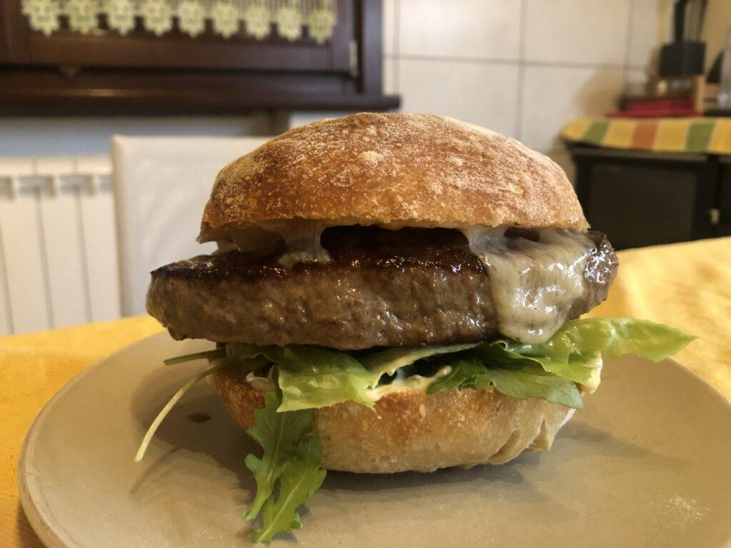 Hamburger preparato con pane impastato dalla planetaria di Kenwood