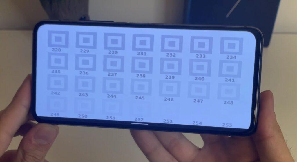 Il display di Zenfone 7 Pro