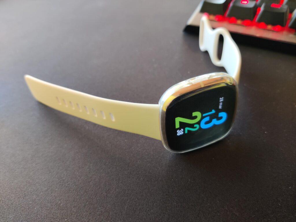Una foto completa dello smartwatch