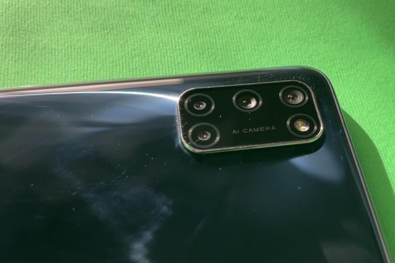 La fotocamera di Oppo A52
