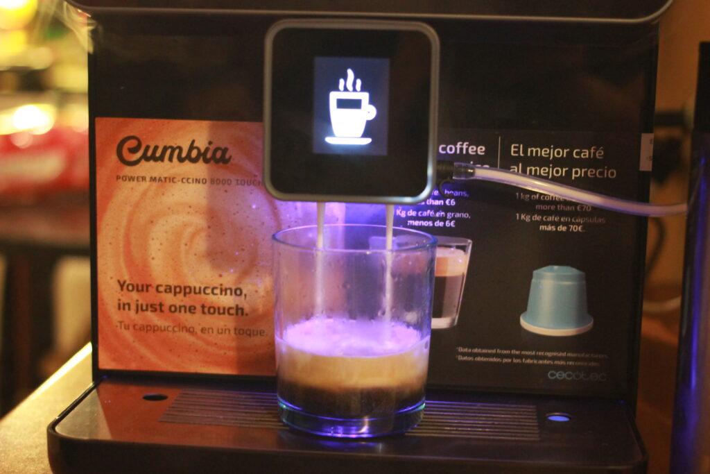 Preparazione di un caffè macchiato