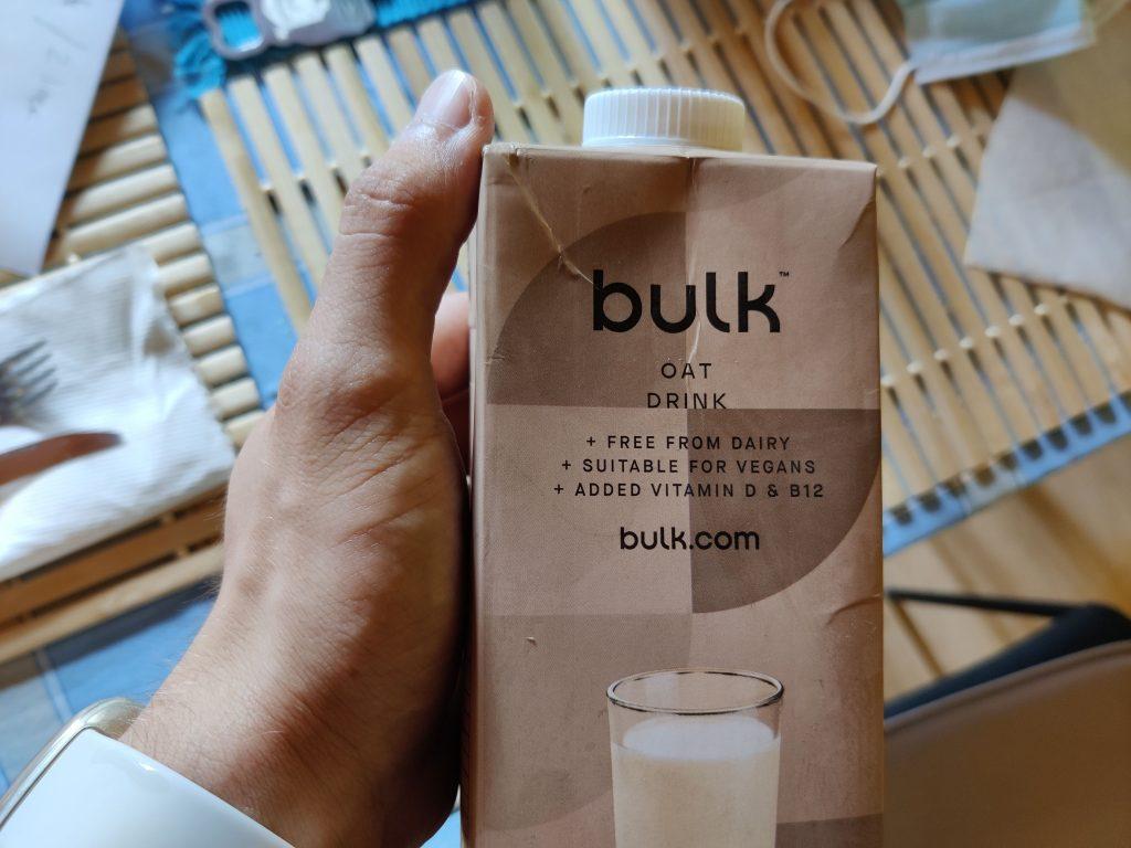 La confezione della bevanda all'avena di Bulk