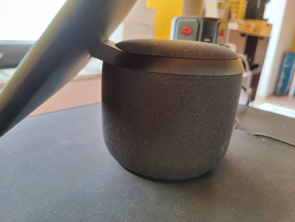 Una foto del device visto lateralmente